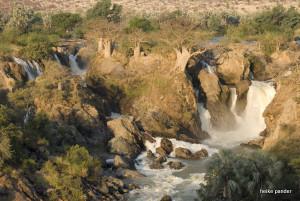 Baobabs auf Klippen, Epupa Falls