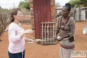 Sylvia Mathoho und Dr. Sarah Venter im Gespräch