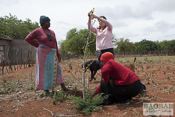 Selina Malovhele mit Dr. Sarah Venter und Blessing Mamubeda