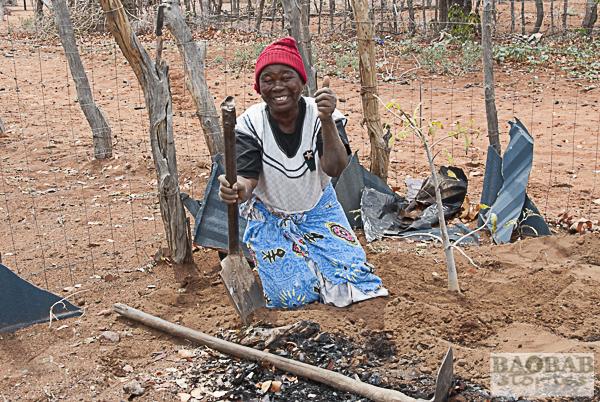 Martha Kwerana mit Baobab