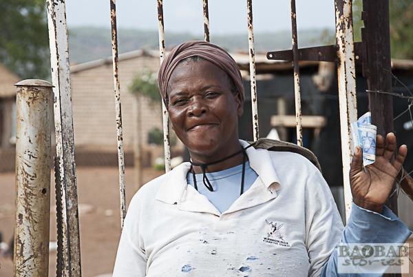 Joyce Phungo glücklich über ihre Aufwandsentschädigung