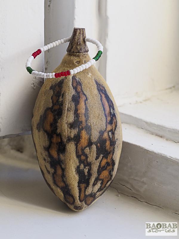 Baobab Frucht mit Perlenaufhänger, Südafrika