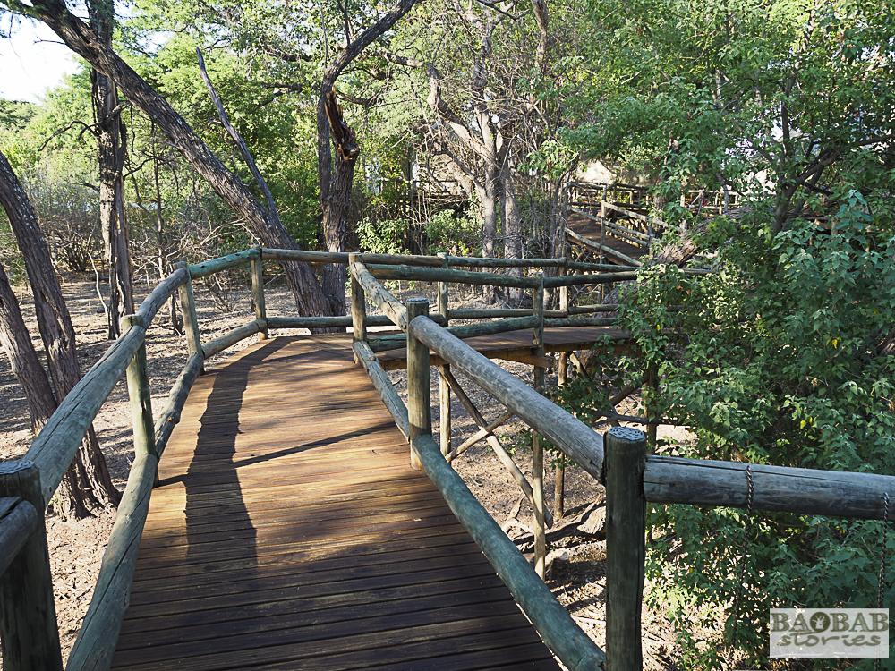 Nambwa Lodge, Fußwege zum Zelt, Bwabwata Nationalpark, Namibia, 2018